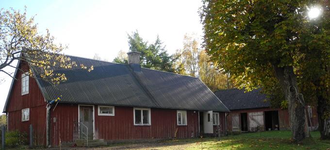 Skånegård i skogen