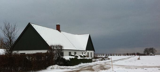 En gammal gård på slätten
